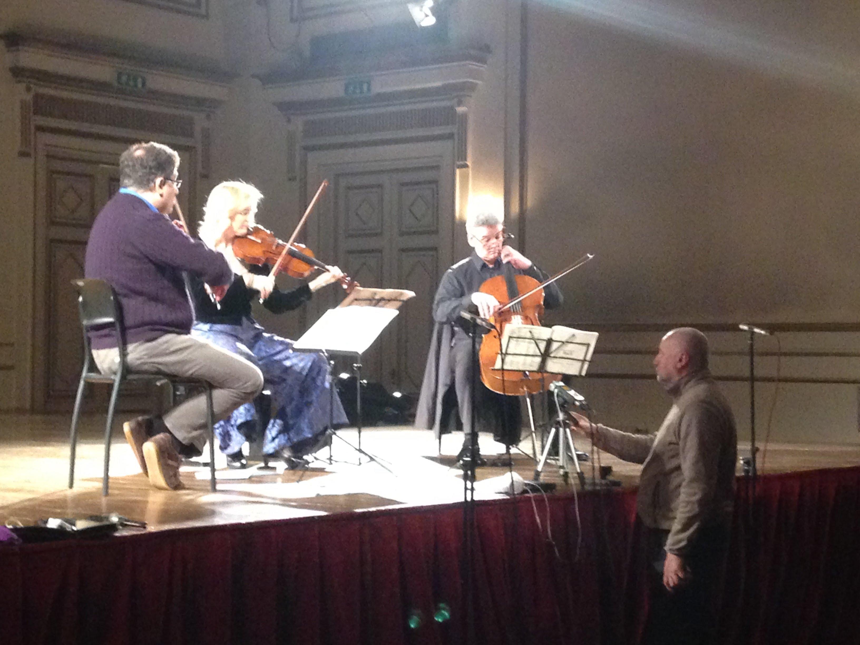MARCO RIZZI, violino – DIEMUT POPPEN, viola – MANUEL FISCHER-DIESKAU, violoncello